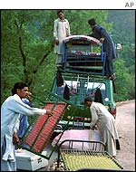 People flee Kashmir