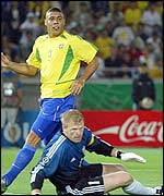 The duel between Ronaldo and Kahn enthralled throughout the 2002 World Cup