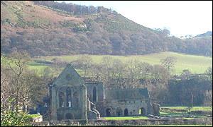 Valle Crucis Abbey, Llangollen