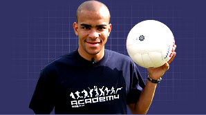 Kieron Dyer talks to The Academy