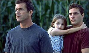 Mel Gibson, Abigail Breslin and Joaquin Phoenix