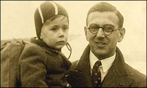 Nicholas Winton with one of the children in rescued