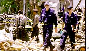 Australian forensic experts at the scene of the bomb blast in Bali, 17 October 2002