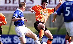 Steven Thompson in action for Dundee United