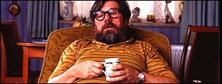 Ricky Tomlinson stars in the hit comedy The Royle Family