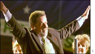 Lula celebrating his victory
