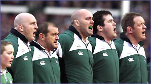Irish rugby team singing Ireland's call