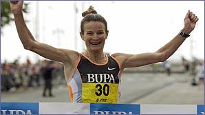 Sonia celebrates her win in the Great North Run
