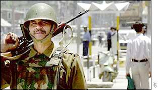 Indian soldier in Kashmir