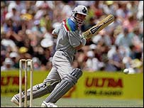 Martin Crowe keeps the score ticking over and finds a gap in the field