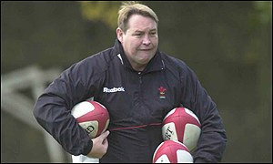Wales coach Steve Hansen could get caught between a club versus union row
