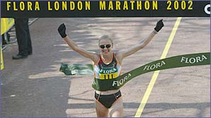 Paula Radcliffe wins the London Marathon
