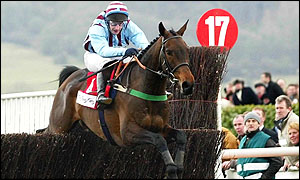 Jim Culloty rides Best Mate to victory in the 2002 Cheltenham Gold Cup