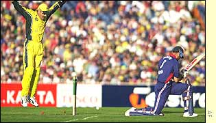 Nasser Hussain is bowled by Shane Warne