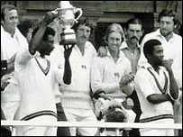Clive Lloyd lifts the trophy
