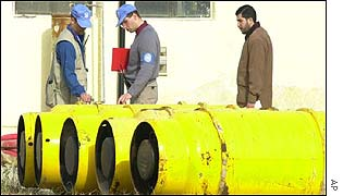 UN inspectors at water purification plant
