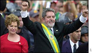 Brazil's new President Luiz Inacio Lula da Silva (r) with his wife, Marisa (l)
