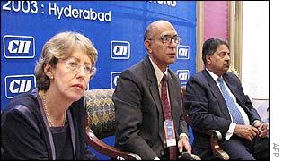 UK trade minister, Patricia Hewitt, Condederation of India Industry (CII) President Ashok Soota (C) and Andhra Pradesh state Major Industries Minister Vidhya Dhar Rao