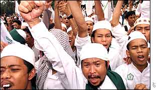 Indonesian Muslims shout