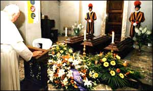 The Pope mourning the head of his Swiss Guard