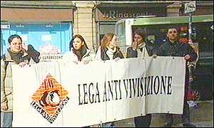 Anti-vivisectionists in front of shop accused of selling dog fur