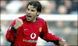 Ruud van Nistelrooy celebrates his goal