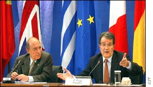Greek Prime Minister Costas Simitis and EU Commission President Romano Prodi at a joint press conference after the official opening ceremony of the Greek EU presidency
