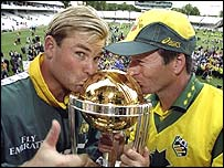 Shane Warne and Steve Waugh kiss the World Cup