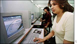 An Iraqi woman surfs the internet