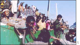 Somali refugees arriving in Eden, 1993