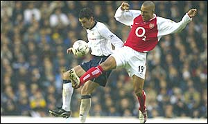 Arsenal's Gilberto Silva (right)