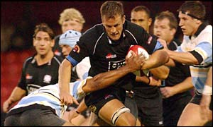 Gareth Llewellyn in action for Neath