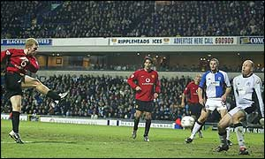 Paul Scholes levels for Man Utd at Blackburn