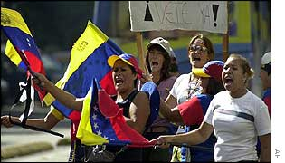 Women demonstrate on 21 January to call for President Chavez to go now