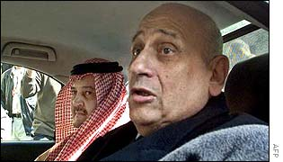 Saudi Foreign Minister Prince Saud al-Faisal (l) with his Egyptian counterpart Ahmed Maher