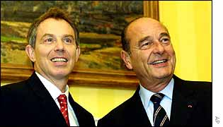 Tony Blair (L) and Jacques Chirac in London, November 2002