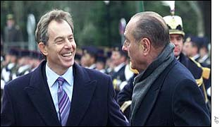 UK Prime Minister Tony Blair (l) and French President Jacques Chirac