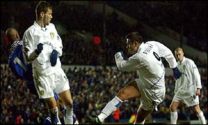 Mark Viduka gives Leeds the lead in the FA Cup replay against Gillingham
