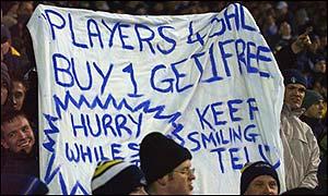 Leeds fans display their discontent
