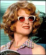 Julianne Moore in Far From Heaven
