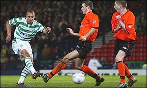 Henrik Larsson drives home Celtic's second goal at Hampden