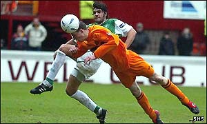 David Clarkson dives to head in Motherwell's first goal