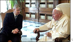 Pope John Paul II receives German Foreign Minister Joschka Fischer at the Vatican