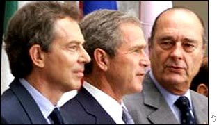 UK's Tony Blair (l), US' George W Bush (c), France's Jacques Chirac (r)