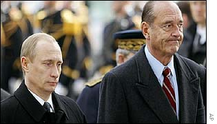 Putin (l) and Chirac in Paris