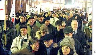 Germans march against war