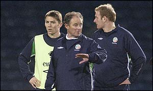 Brian Kerr oversees an Ireland training session ahead of Wednesday's game