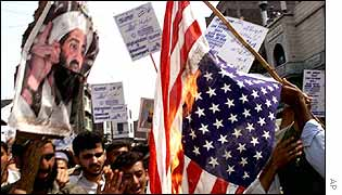Bin Laden supporters burn US flag in Pakistan