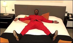 bbc news uk england fans offered celebrities 39 bed. Black Bedroom Furniture Sets. Home Design Ideas
