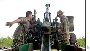Philippine cannon in action near Pikit
